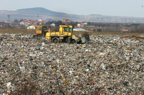 gbalahi landfill effects on the environment Landfill is a common phenomenon around the world, especially due to the increased number of wastes from our homes, schools, offices, hospitals, and markets some landfills are well managed and designed as part of integrated waste management.